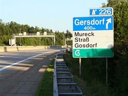 Sjezd z dálnice A9 v Rakousku na objezd slovinské dálnice