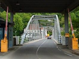 Rakousko-slovinský hraniční přechod Trate s mostem přes řeku Mura