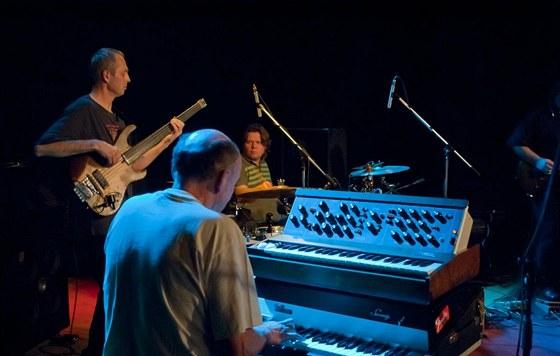 Martin Kratochv�l a Jazz Q