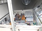 Zlod�j ukradl z tubus� v�trn�ch elektr�ren v Albrechtic�ch sou��stky z drah�ch