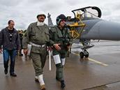 Poslední let velitele vzdušných sil Jiřího Vernera v gripenu. Po po přistání