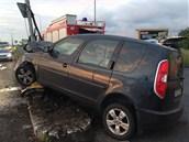 Řidič osobního auta nezvládl v ulici K Barrandovu řízení a naboural do sloupu