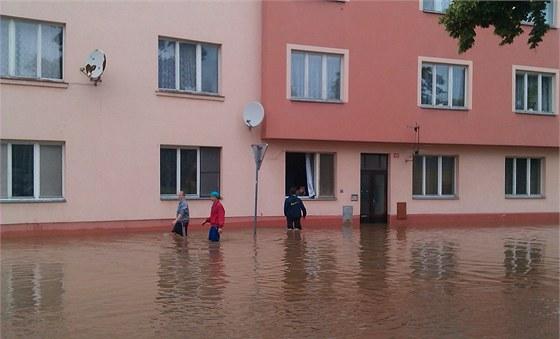 Cidlina zaplavila Nový Bydžov (3.6.2013).