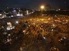 Davy demonstrantů na istanbulském náměstí Taksim  (6. června 2013)