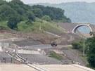Sesuv zavalil stavbu posledního úseku dálnice D8.