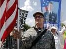 Pokud se prokuratuře podaří všechny činy prokázat, hrozí Manningovi doživotí