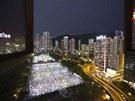 Vzpom�nkov� akce se koncentruj� zejm�na do Hong Kongu, tam do ulici vy�lo