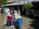 Některé domy v Budapešti již jsou pod vodou (8. června)
