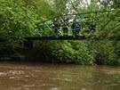Záchranáři hledají na Náchodsku muže, který vypadl z lodičky do rozvodněné