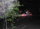 Režišéra Tomáše Vorla museli z rozbořené řeky Střely vytáhnout hasiči.