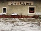 Rozvodněná Vltava vyplavila i historické centrum Českého Krumlova. (3. června