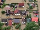 Domy v �erno�ic�ch zaplavila voda z rozvodn�n� Berounky. (4. �ervna 2013)