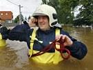Zaplavená obec Zálezlice na Mělnicku. (4. června 2013)