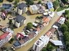 Vltava zaplavila i ulice a domy ve středočeských Kralupech. (4. června 2013)