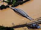 Zaplavený most E. Beneše v Ústí nad Labem. (5. června 2013)
