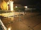 V Bělokách rozvodněný Zákolanský potok vyplavil několik domů