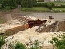 Velká voda protrhla stavební hráz rekonstruované nádrže Jordán v Táboře. (2.