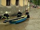 Rozlitá Lužnice překonala protipovodňovou zábranu v Bechyni na Táborsku. (2.