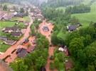 V Krkonoších zůstalo v zatopených domech uvězněno několik lidí (2. června 2013)