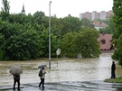 Rozvodněný potok Botič zaplavil pražské čtvrti Hostivař a Záběhlice. Na snímku