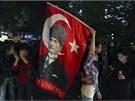 Tisíce lidí protestují i v tureckém hlavním městě Ankaře. Do průvodu si s sebou...
