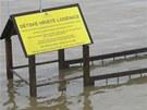 Dětské hřiště u vodáckého kanálu je možné používat pouze za sucha...