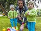 Miloslav Smolinka se dvěma syna na setkání se zástupci zlínské kliniky