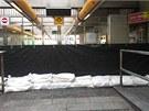 Protipovodňové hradítko ve stanici metra Invalidovna (trasa B) v pražském