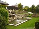 kv¦Ťten zahrada -jez+şrko s gejz+şrem a vodop+ídem