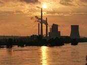 Velká voda ohrožuje i tepelnou elektrárnu Mělník. Kvůli povodním odstavila z...