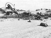 Trosky letadla po nehod� u Tripolisu - hlavn� oblast. Letadlo bylo zcela