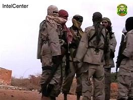Mansúr spolu s bojovníky al-Šabábu (20. září 2009)