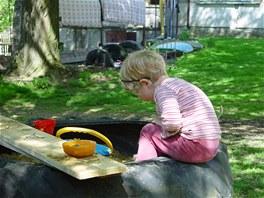 Relaxační prvky v zahradě se snažíme, stejně jako většinu dalších věcí,...