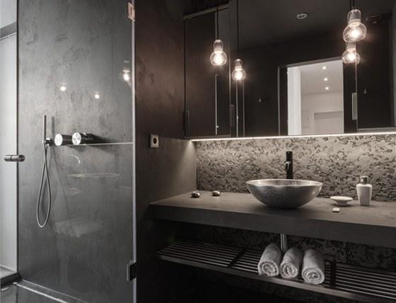 Umyvadlo Glass Design objevili architekti na Salone del Mobili v Miláně.