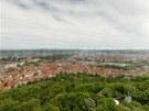 Panoramatický pohled na Prahu z Petřína (květen 2013)