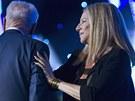 Peresovi pop��la i zp�va�ka Barbra Streisandov� (19. �ervna)
