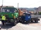 Nehoda v �st� nad Orlic� zastavila dopravu.