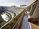 """Autorem Hotelu Praha, jehož """"tekutý"""" tvar kopíruje vrstevnice svahu, je"""