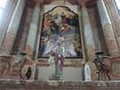 Vnitřek kostela zdobí i kopie původního oltářního obrazu.