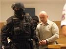 Mimořádná bezpečnostní opatření provázela také druhý den soudního procesu s