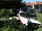 Letadlo dopadlo na zahradu rodinn�ho domu v Uhersk�m Hradi�ti.