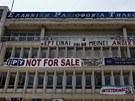 Proti zrušení vysílání veřejnoprávní v centru Atén demonstrovaly tisíce lidí.