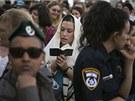Několik desítek žen se za dohledu policie modlilo u Zdi nářků bez ohledu na