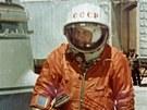 Těreškovová před nástupem do rakety 16. 6. 1963