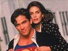 Dean Cain a Teri Hatcherová v seriálu Superman (1993)