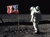 Astronaut Buzz Aldrin při misi Apollo 11 (20. července 1969)
