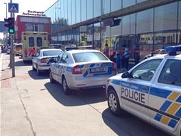 Policisté a záchranka zasahují u nehody ve stanici metra Kolbenova