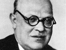 Prof. PhDr. Arne Novák, vlastním jménem Arnošt František Marie Novák, (2.