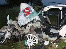 Řidič octavie a jeho dva spolujezdci skončili s těžkými zraněními v