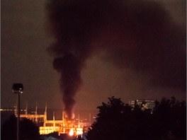 Požár elektrické rozvodny u pražského Šeberova.